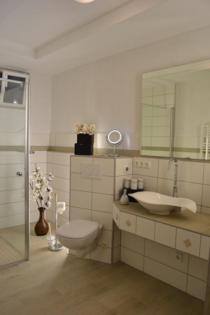 Modernes Badezimmer, FeWo Aartalsee